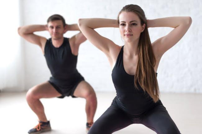 中性脂肪を減らしたいのであれば、有酸素運動に加えて、スクワットなどの無酸素運動をすることが大事だそう。写真はイメージ=(c)undrey-123RF