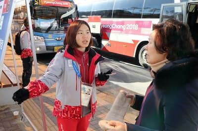 平昌五輪・パラリンピックでも多くのボランティアが活躍した(2月2日、韓国・平昌)