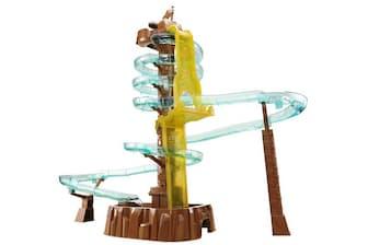 タカラトミーアーツ「タワーズロック そうめんアドベンチャー」(希望小売価格2万4800円)。同社の「流しそうめん」シリーズは、大ヒットシリーズ。第8弾が、2018年4月26日発売。パッケージサイズがW 440×H 550×D 300mmの巨大なオモチャだ