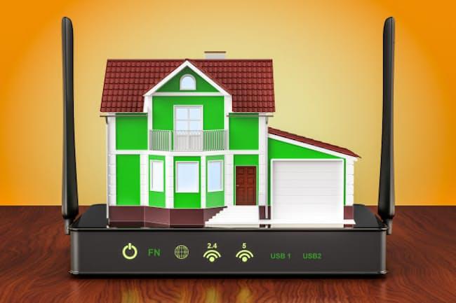 ルーターの設置場所を変えたり、アンテナの向きを変えるとWi-Fiの速度は本当に変わるのか。家の中で実験してみた(PIXTA)
