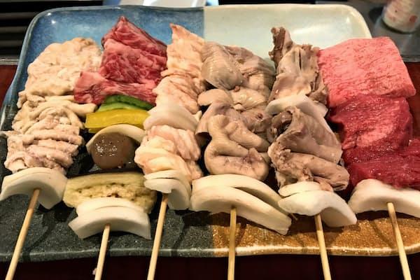 本家藤よしはべんてんや牛バラなど鶏以外の内臓メニューが豊富