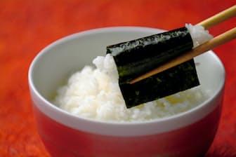 佐賀ノリのトップブランド「佐賀海苔有明海一番」。口に入れるとさっと溶けて磯の香りと甘みが広がる