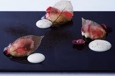 デザート「椿と麹」