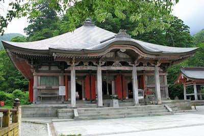 大山寺本堂(鳥取県大山町)。1928年の火災で焼失後、51年に再建された