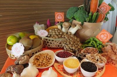 食物繊維が豊富な食材たち――ぜひ毎日食べたいものです(nikkei WOMAN Onlineより)=写真/大人のダイエット研究所、編集部