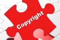 著作権法10条1項は著作物のジャンルを例示している。写真はイメージ