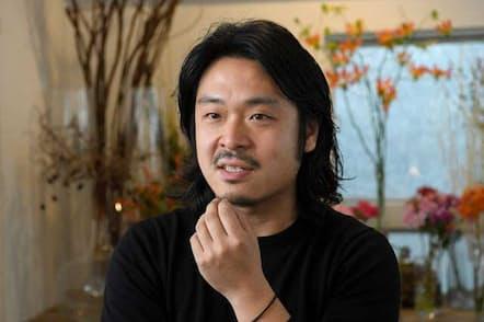 花が持つ価値を最大限引き出すのが自分の使命だと話す田中孝幸氏