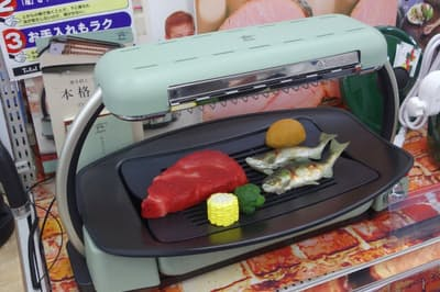 ヨドバシカメラ新宿西口本店にホットプレートの売れ筋を聞いた (日経トレンディネットより)