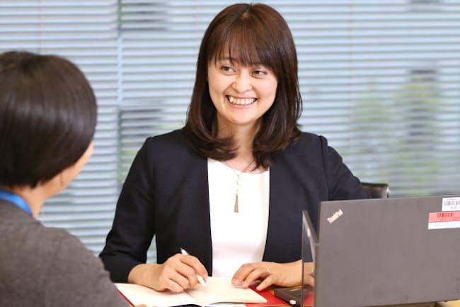 育児復帰後に営業所長に昇格したヤンセンファーマの岸本佐和子さん(東京都千代田区)