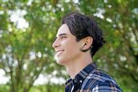 ソニーモバイルコミュニケーションズの完全ワイヤレスヘッドセット「Xperia Ear Duo XEA20」(実勢価格2万7000円前後)