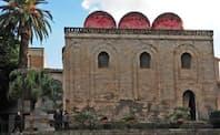 12世紀に創建したサン・カタルド教会はノルマンやアラブの様式が入り交じる中世シチリアを代表する建築だ(パレルモ市)