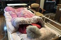 保険対象の介護用具はベッドや車いすなど13種類ある