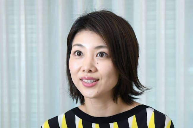 1983年福岡県生まれ。小椋久美子選手との女子ダブルスペア「オグシオ」で2008年の北京五輪でベスト8。バドミントンの普及や試合解説のほか、テレビのコメンテーターとしても活躍。