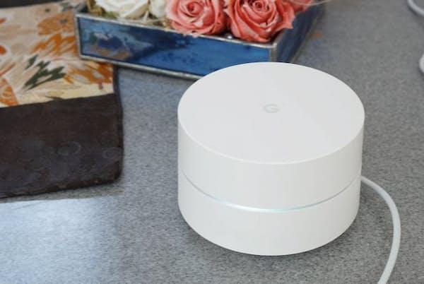 グーグルからWi-Fiルーター「Google Wifi」が登場。既に商品があふれるこの分野で、既存の製品とどんなところが違うのか。戸田覚氏が使ってみた(日経トレンディネットより)