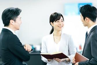 男性が女性に寄り添う働き方が重要になってくる(写真はイメージ=PIXTA)