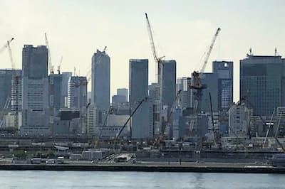 東京五輪・パラリンピックの選手村は大会後に5600戸のマンション群に生まれ変わる(5月10日、建設中の選手村)