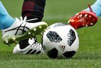 サッカーボールの進化は著しい(2018年のワールドカップで使われるテルスター)=共同