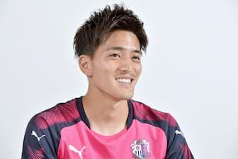 1991年生まれ。東京ヴェルディユースなどから10年東京ヴェルディとプロ契約。清水エスパルス、浦和レッズを経て、18年からセレッソ大阪。J1リーグ戦は通算180試合出場28得点。