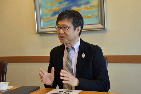 NEC最高マーケティング責任者の榎本亮氏