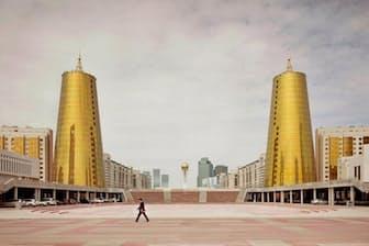 カザフスタン、アスタナの庁舎(2012年)(PHOTOGRAPH BY FRANK HERFORT)