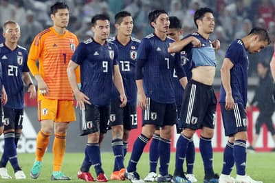 親善試合でガーナに敗れ、肩を落とす日本代表イレブン(5月30日)