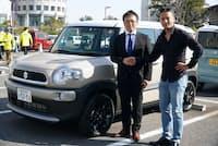 スズキ四輪商品 第一部チーフエンジニアの高橋正志氏(左)と小沢氏。スズキのコンパクトSUV「クロスビー」(希望小売価格税込み176万5800円~)は2017年末に発売された
