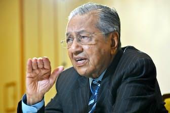 マレーシアのマハティール首相は92歳で首相に返り咲いた