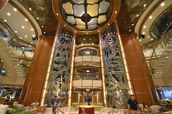 東京五輪の「ホテルシップ」とほぼ同型船として公開された「ダイヤモンド・プリンセス」(6月25日、横浜市)