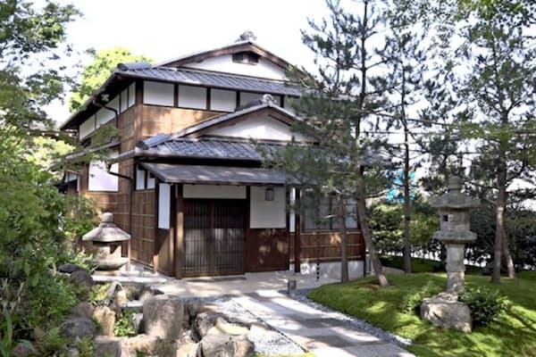 境内の旧家屋「松林庵」を宿坊に改造した。耐震補強の一方、外観など昔ながらの趣を残した