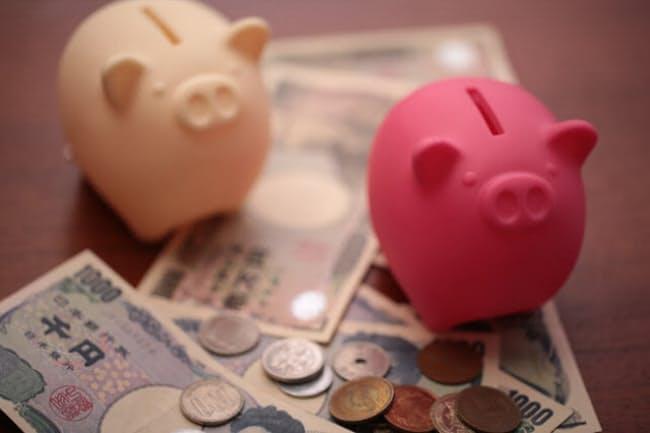 貯金できない夫婦は2つの生活費口座で管理する(写真はイメージ)