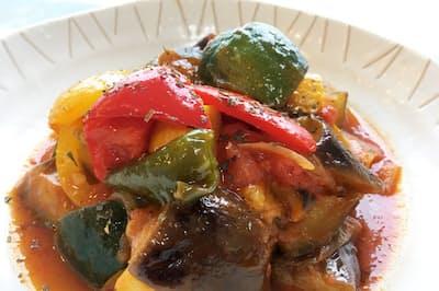 この季節、味の濃い夏野菜を使って作るラタトゥイユはお薦め