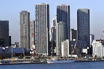 タワーマンションの増加が都心に人口を呼び込んでいる(タワーマンションが林立する東京都中央区)
