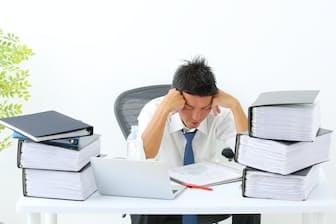 自由業は勤務時間を自分で管理しやすい分、プライベートの時間を犠牲にしがちだ。写真はイメージ。=PIXTA