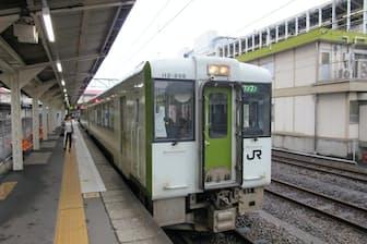 高崎駅からは非電化区間を走る気動車に乗った(JR高崎駅構内)