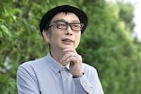 1958年千葉県市川市生まれ。80年ハルメンズ、86年パール兄弟を結成。作詞家として沢田研二や小泉今日子に提供。「歯科医のロック」など著書多数。最新刊は「エッジィな男、ムッシュかまやつ」