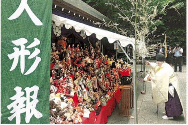 久月が開いた「人形報恩祭」(東京都台東区)