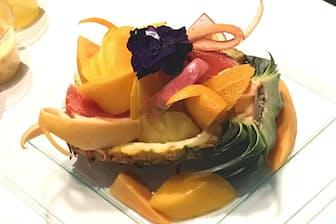 東京カルチャーカルチャー(東京・渋谷)で開いたイベント「マンゴーまつり」で出された国産トロピカルフルーツの盛り合わせ