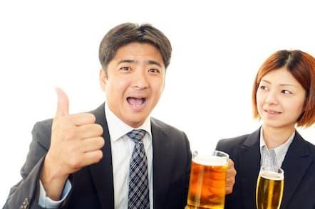 職場の飲み会などを長年経験していれば、「酒を飲むと人格が豹変する人」に出会った経験があるだろう。いわゆる「酒乱」だ。写真はイメージ=(c)Shojiro Ishihara-123RF
