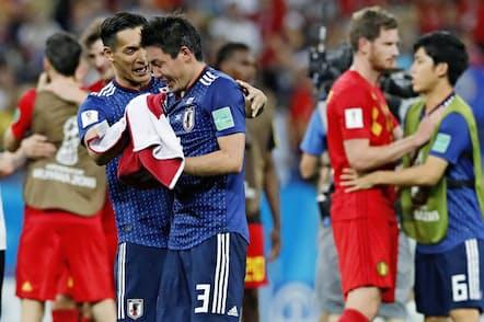 サッカーW杯において、日本代表はベルギーに敗れたものの称賛を浴びた(7月2日)=共同