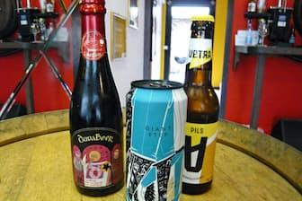 味もさることながらびんや缶のデザインもしゃれているイタリア産クラフトビール