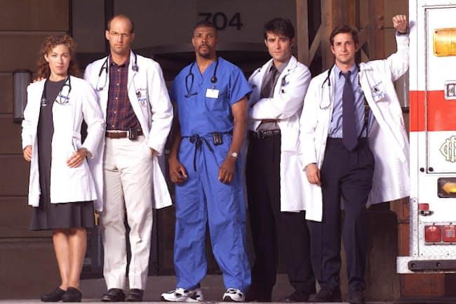 医療ドラマの歴史を変えた「ER緊急救命室」。最終的に15シーズンまで作られた(2001年)=ロイター