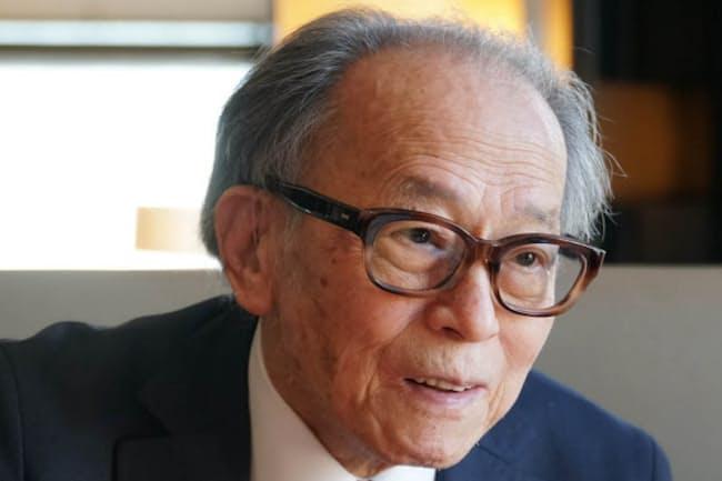外山滋比古さんは「特定の銘柄を気に入って惚れ込み過ぎるのもよくない」と話す。(撮影:川田雅宏)