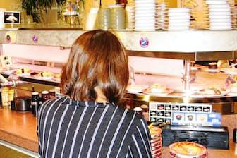 「廻る 元禄寿司」本店は今も右回り(大阪府東大阪市)