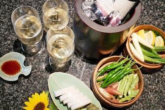 宮崎のスパークリングワインと小田原のかまぼこをお取り寄せ