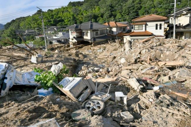 土砂災害に見舞われた広島市安佐北区(7月10日)