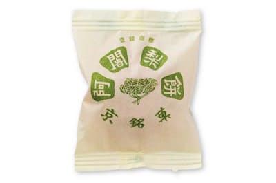阿闍梨餅本舗 満月で販売している和菓子は、阿闍梨餅を含めて4種類のみ。阿闍梨餅は、売り上げの約9割を占める主力商品だという