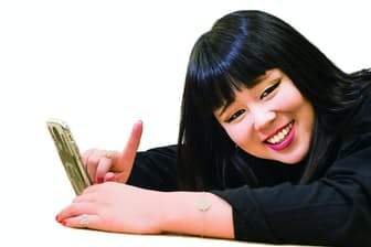 1990年8月3日生まれ、岡山県出身。『ぐるぐるナインティナイン』(日本テレビ系)の人気企画「おもしろ荘」でブレイク。情報バラエティー番組『PON!』(同)の木曜レギュラーを務める。『行列のできる法律相談所』(同)ほか多数出演中(写真:浦田大作)