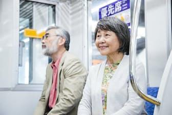 困っている人が優先席に座れるとは限らない。写真はイメージ=PIXTA