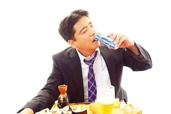 酒を飲んで「記憶が消えた」という経験をした人は少なくないだろう。これは酒乱と関係あるのだろうか。写真はイメージ=(c)Shojiro Ishihara-123RF