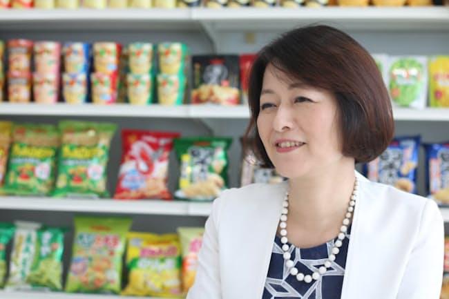 カルビーの執行役員・人事総務本部長の武田雅子さんは乳がんと闘いながら、産業カウンセラーの資格を取った